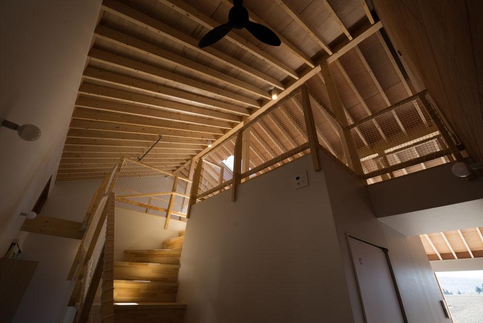 北海道十勝帯広市の建築家、新築注文住宅の設計 稲穂の家 天井見上げ