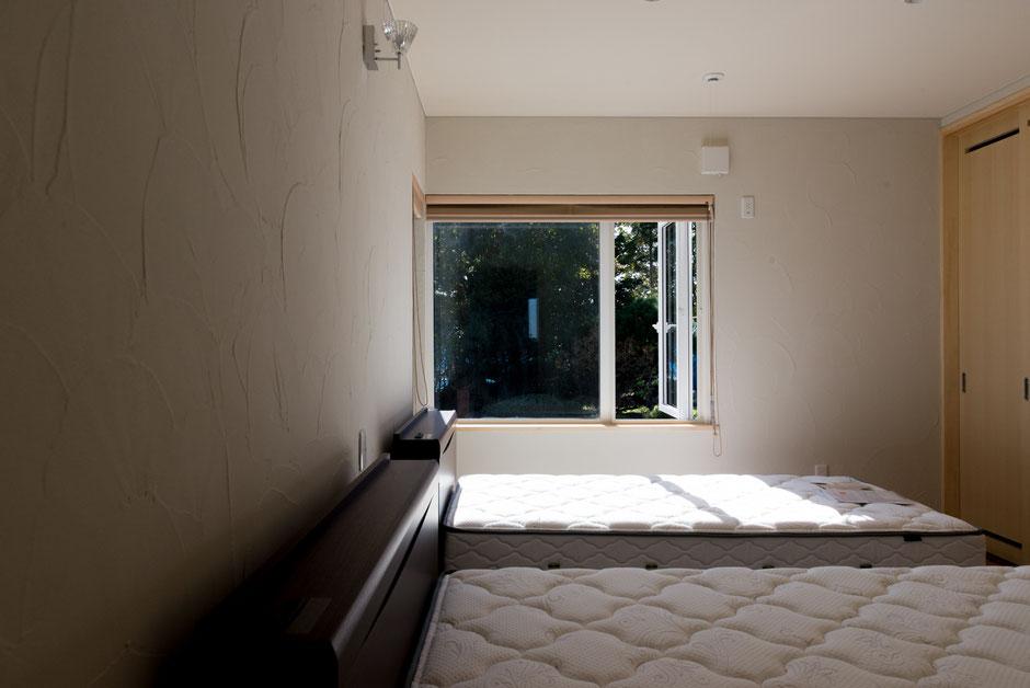 和風新築注文住宅内観 寝室 左官壁